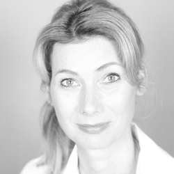 Prof. Dr. Anne Riechert