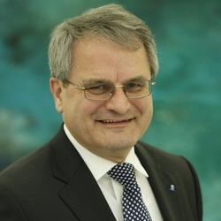 Prof. Dr. Wolfgang König (Sprecher & Moderator)