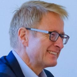 Prof. Freimuth Schliess (Moderator)