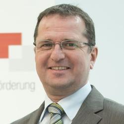 Dr. Gerd Große (Moderator)