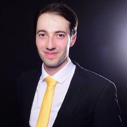 Dimitri Ravin (Moderator)